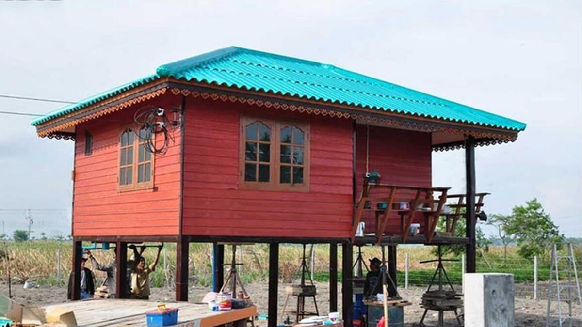 บ้านมณีแดง